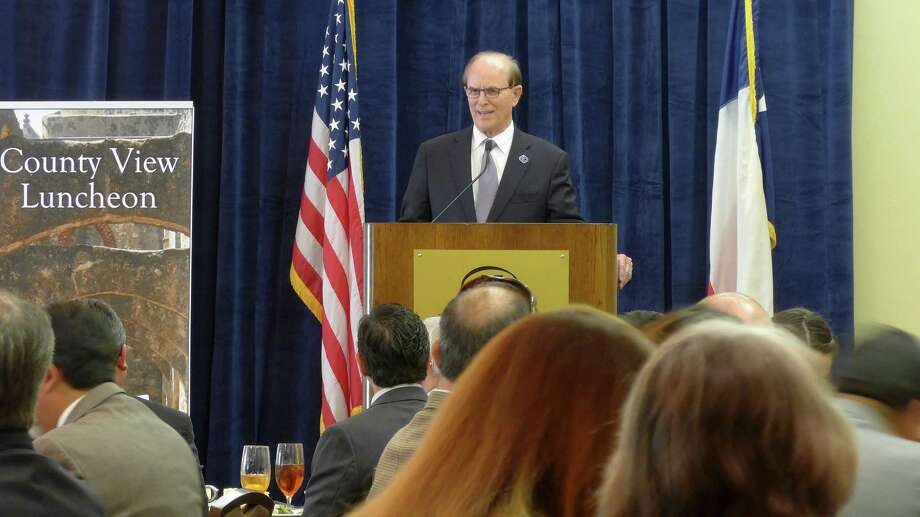 Bexar County Judge Nelson Wolff addresses the South San Antonio Chamber of Commerce at the Hilton Airport hotel. Photo: John W. Gonzalez /San Antonio Express-News