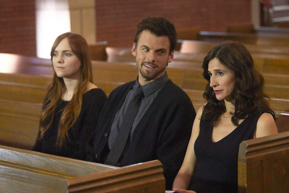 "Tommy Dewey plays Alex and Michaela Watkins, right, is his newly divorced sister in Hulu's new comedy ""Casual."" Tara Lynne Barr, left, plays Michaela's sexually active teenage daughter Photo: Courtesy Hulu"