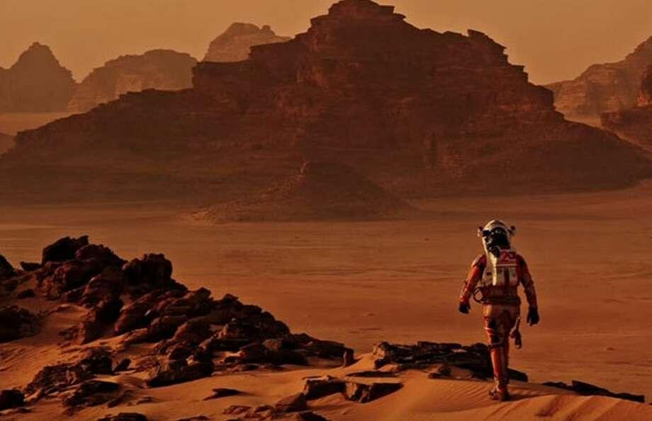 Matt Damon's Astronaut in 'The Martian' Couldn't Survive Despite Water on Mars, NASA Says