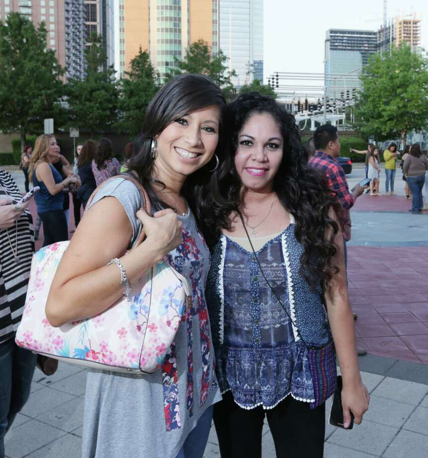 Ricky Martin fans at Toyota Center on Sept. 30, 2015 Photo: Jon Shapley, Houston Chronicle / © 2015  Houston Chronicle
