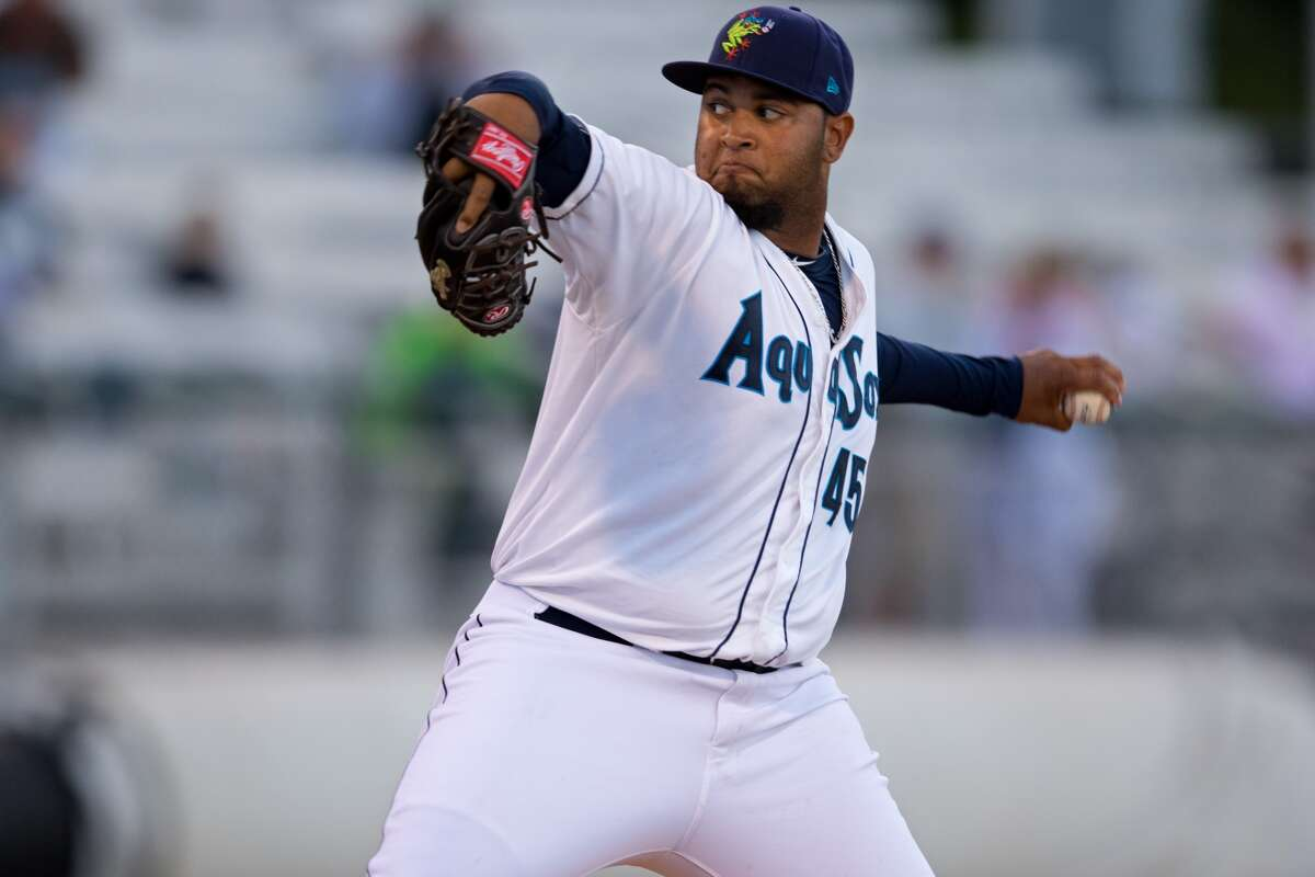 Left-handed pitchers with a fastball that reaches the mid-90's are highly valuable in the minor-league ranks, and the Mariners appear to have a pretty good one in southpaw Luiz Gohara. The 19-year-old didn't put up gaudy statistics this past season, but he has three pitches (fastball, curveball, change-up) that project well at the next level. It's going to take some time, but the 6-foot-3, 210-pounder has a bright future at the big leagues if he continues progressing. (Shari Sommerfeld, Everett Aquasox)