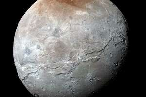 Zoomable Charon of Pluto fame - Photo