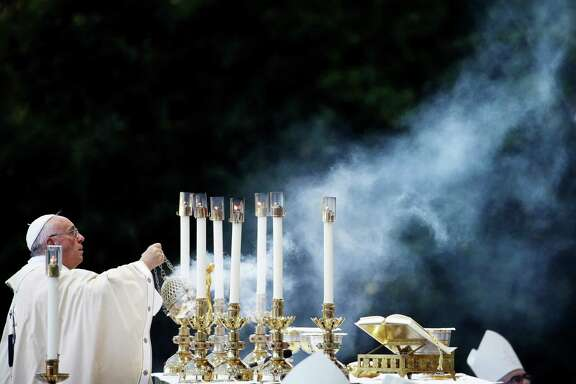 Pope Francis conducts Mass outside the Basilica of the National Shrine of the Immaculate Conception in Washington, D.C.