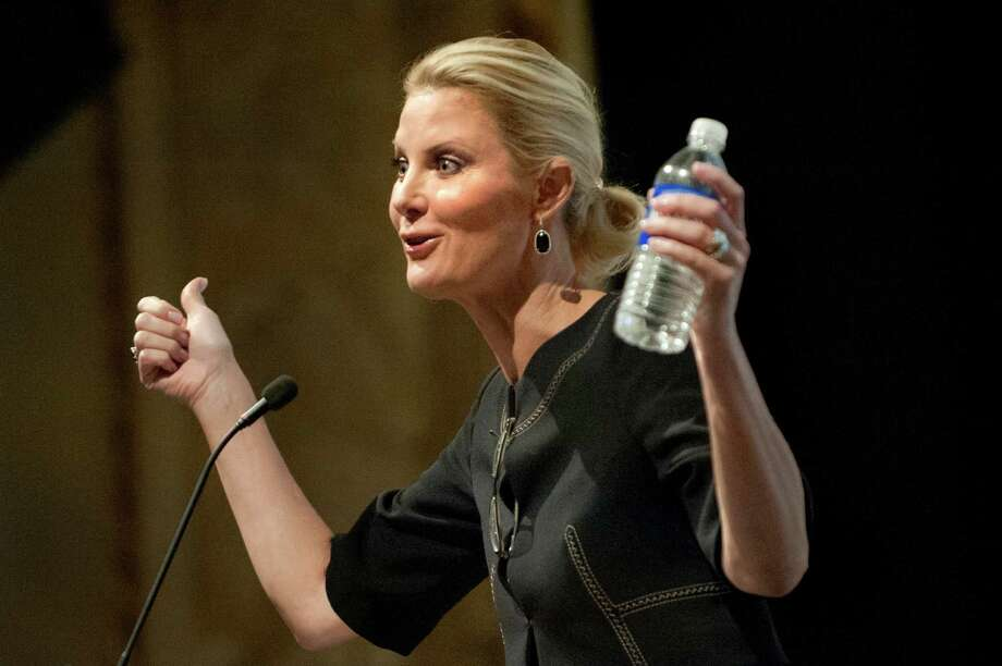 Sandra Lee, celebrity chef and cancer survivor, announces that she's cancer free as she takes the stage during Women's Night Out, Ellis Medicine's annual fundraiser, on Thursday, Oct. 1, 2015, at Proctor's Theatre in Schenectady, N.Y. (Cindy Schultz / Times Union) Photo: Cindy Schultz / 00033590A