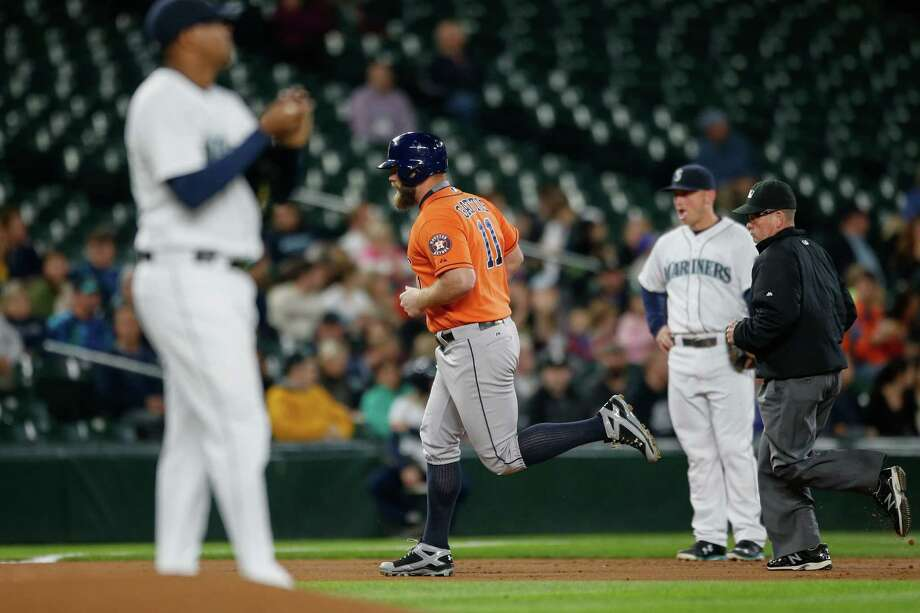 Evan Gattis will go from designated to likely a primary pinch hitter for the Astros, who will close the regular-season in a National League park. Photo: Otto Greule Jr, Stringer / 2015 Getty Images