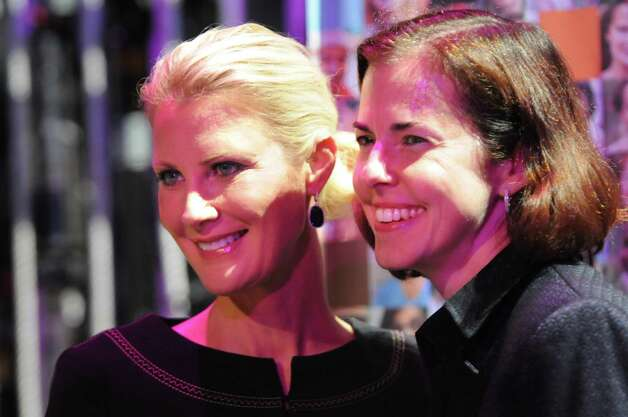 Sandra Lee, celebrity chef and cancer survivor, left, and Jennifer Regan of MVP Healthcare pose for a picture during Women's Night Out, Ellis Medicine's annual fundraiser, on Thursday, Oct. 1, 2015, at Proctor's Theatre in Schenectady, N.Y. (Cindy Schultz / Times Union) Photo: Cindy Schultz / 00033590A