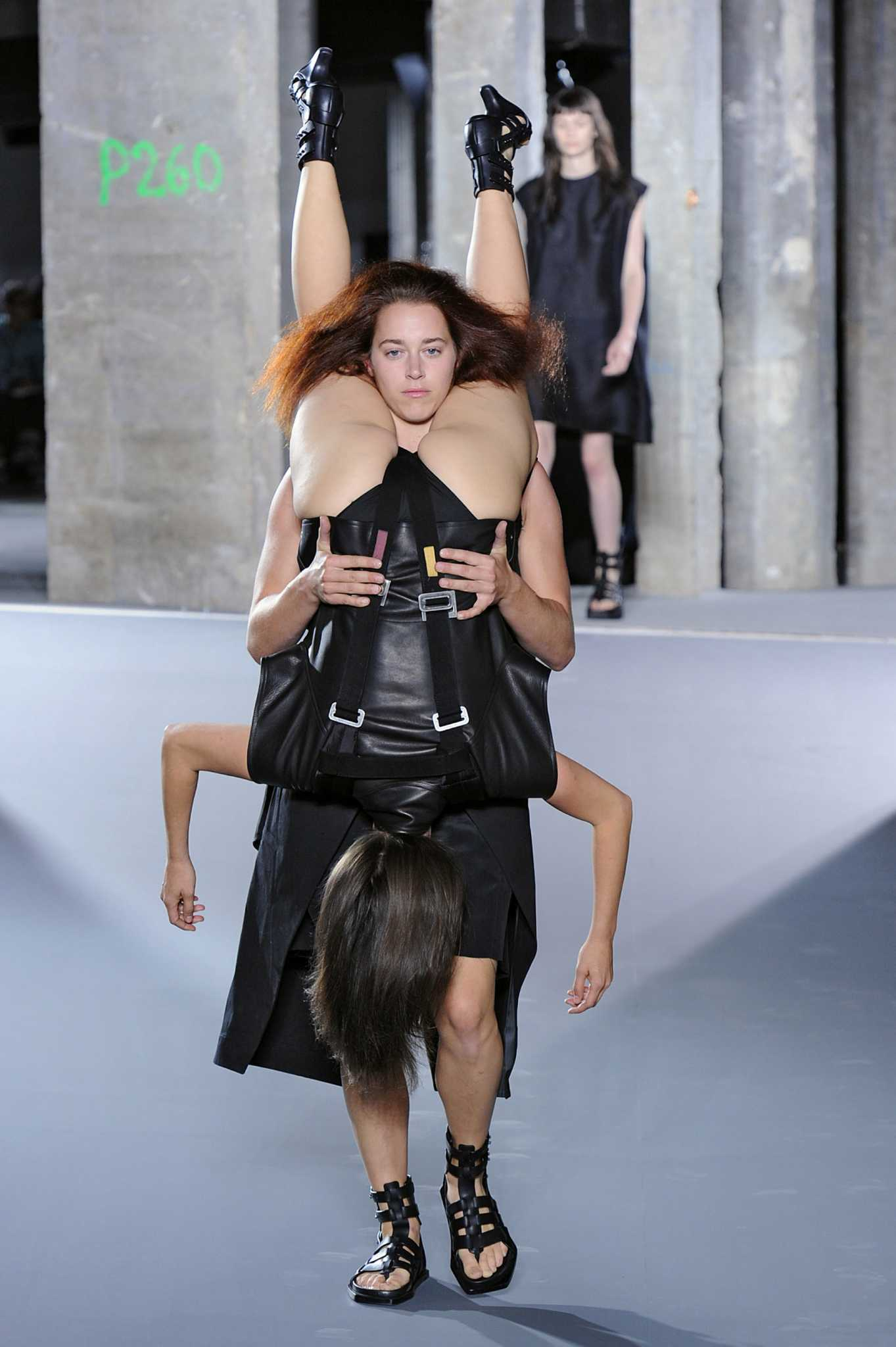 Fashion Show Absurd