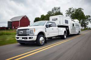 2017 Ford F-Series Super Duty: new-gen model revealed - Photo