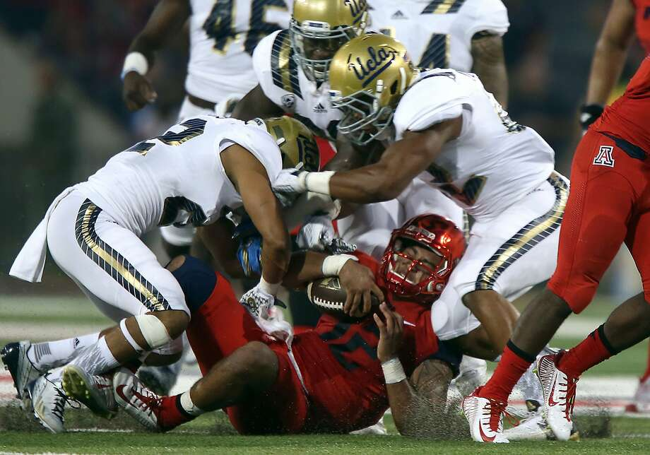 Arizona starting QB Anu Solomon suffered a concussion against UCLA. His status for Saturday is questionable. Photo: Robert Gauthier, McClatchy-Tribune News Service