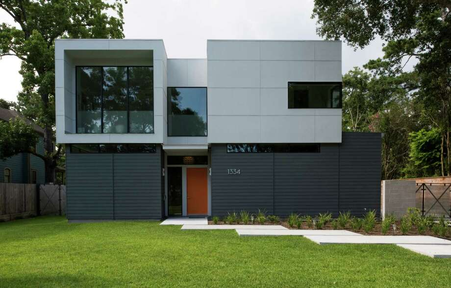 In the older Garden Oaks neighborhood, the Brauns' new modern house stands out on a block of more traditional homes. Photo: Courtesy Rame Hruska