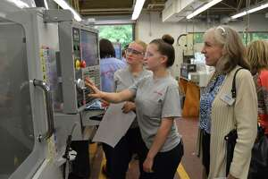 Officials support state manufacturing - Photo