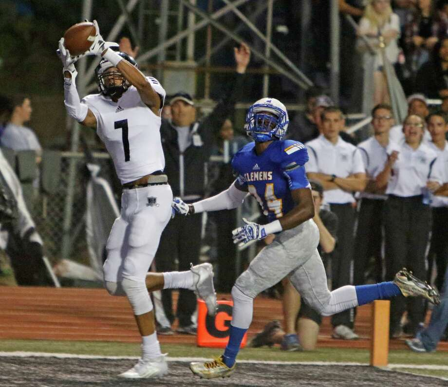 Steele's Antoine Cox-Wesley makes his first TD reception in first quarter leaving behind Cemens Adonis Johnson. the District 25-6A high school football game between Steele and Clemens at Lehnhoff Stadium on Friday, October 2, 2015. Photo: Ron Cortes, Freelance / For The San Antonio