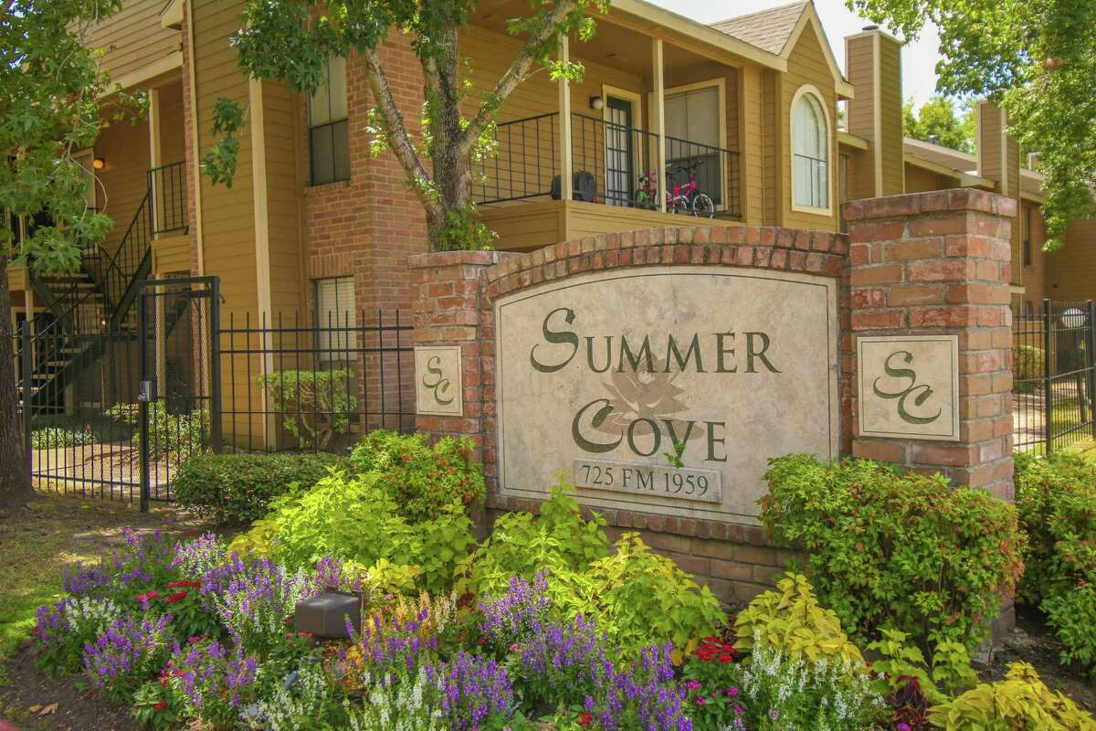 Dallas-based Westmount Realty Capital has acquired the 376-unit Summer Cove apartment complex at 725 FM 1959 in the Clear Lake area.