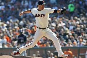 Giants beat Rockies, focus turning to 2016 rotation - Photo