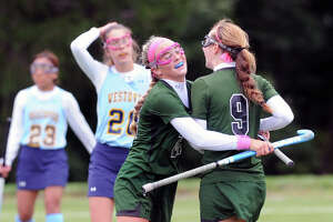 Sacred Heart field hockey team tops Westover - Photo