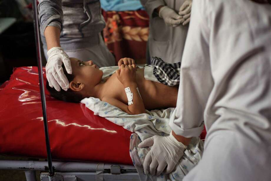 Wahidullah, a 4-year-old who was at the Doctors Without Borders hospital hit by an American airstrike in Kunduz, is treated at another hospital in Kabul. Photo: VICTOR J. BLUE, STR / NYTNS