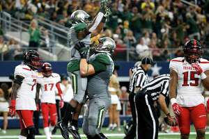 Baylor punishes Tech with ground-heavy 63-35 victory - Photo