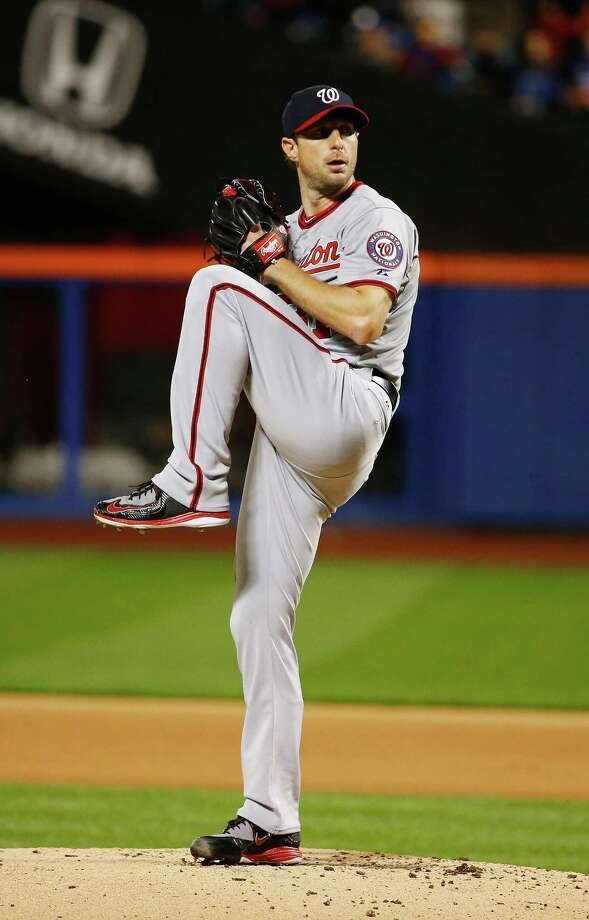 NEW YORK, NY - OCTOBER 03:  Max Scherzer #31 of the Washington Nationals pitches against the New York Mets during their game at Citi Field on October 3, 2015 in New York City.  (Photo by Al Bello/Getty Images) ORG XMIT: 538596321 Photo: Al Bello / 2015 Getty Images
