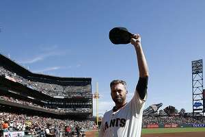 Jeremy Affeldt gets emotional in retirement ceremony before Giants finale - Photo