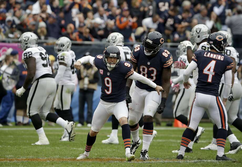 Robbie Gould (9) kicked three field goals on Sunday, including the game-winner from 49 yards out with 2 seconds to play. Photo: Nam Y. Huh, Associated Press