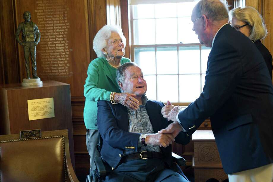 Former President George H.W. Bush and his wife, Barbara, visit Phillips Academy on Sept. 30. Photo: Dave White, HONS / Phillips Academy