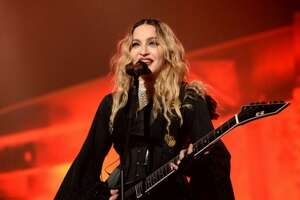 Madonna's daughter allegedly caught drinking at concert - Photo