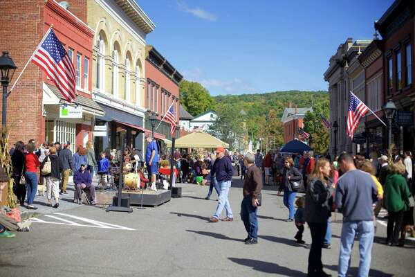 The Greater New Milford Chamber of Commerce hosted the seventh annual Harvest Festival on Sunday, October 4th, 2015, in downtown New Milford.