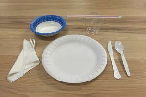 Fort Bragg orders restaurants to use disposable plates, cups - Photo
