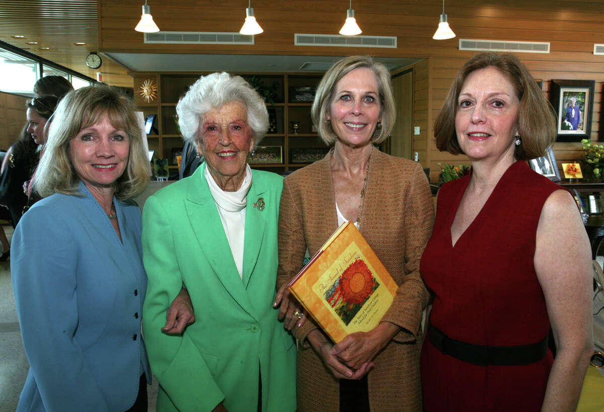 Dela White, who co-founded Sunshine Cottage School for Deaf Children, died Sunday in San Antonio.