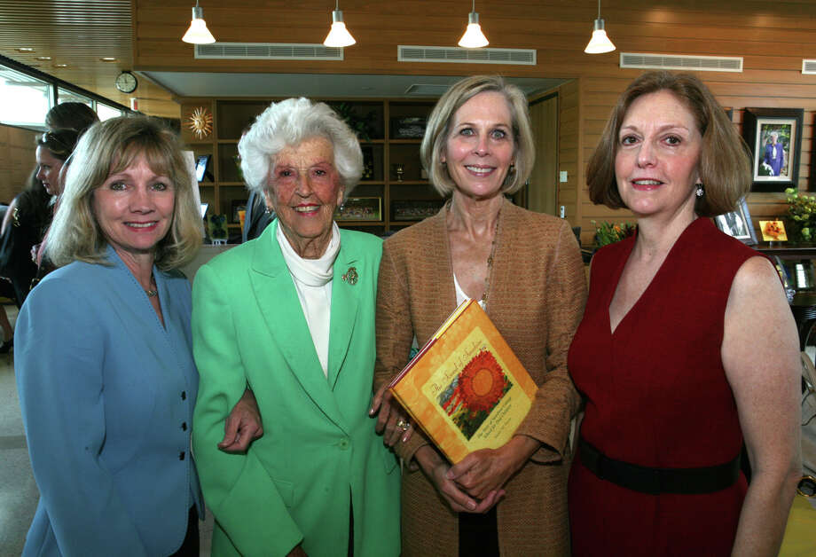 Dela White, who co-founded Sunshine Cottage School for Deaf Children, died Sunday in San Antonio. Photo: Leland A. Outz /Special To The San Antonio Express-News / SAN ANTONIO EXPRESS-NEWS