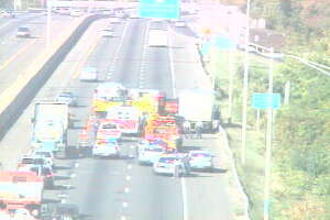 I-95 crash blocks two lanes - Photo
