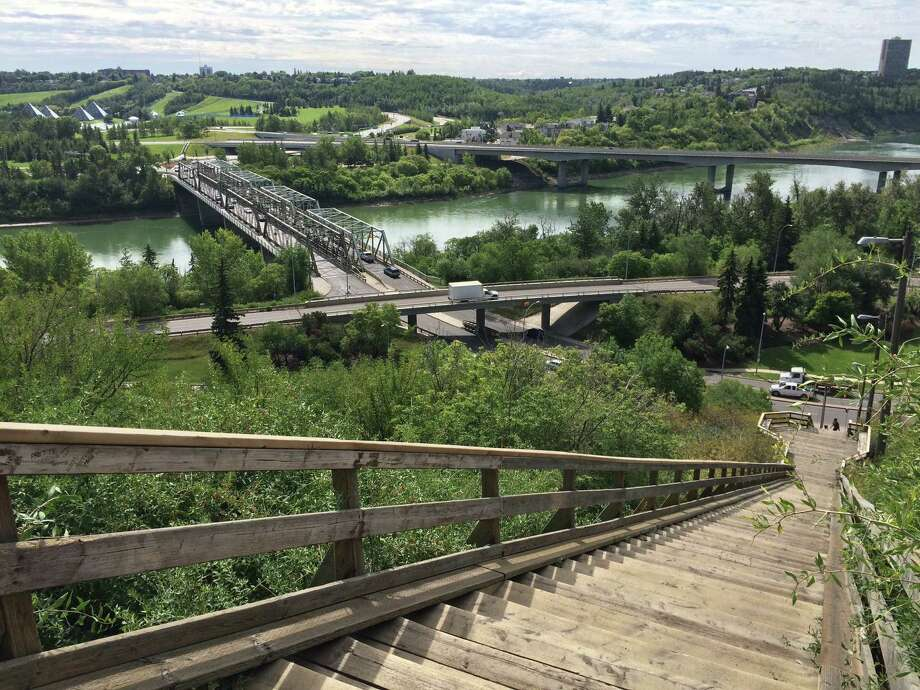 Edmonton and the surrounding area have been shaped in great part by the North Saskatchewan River and the protected green space and parks that line both sides of it. Photo: Spud Hilton / ONLINE_YES