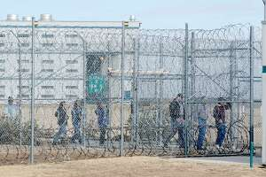 Federal prison rape law set to be enforced 7 years later - Photo