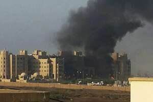 Car bombers claimed by Islamic State kill 15 in Yemen?s Aden - Photo