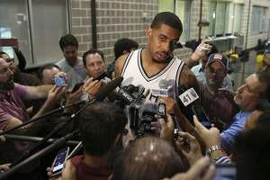 "Aldridge has first ""welcome to Spurs"" moment - Photo"