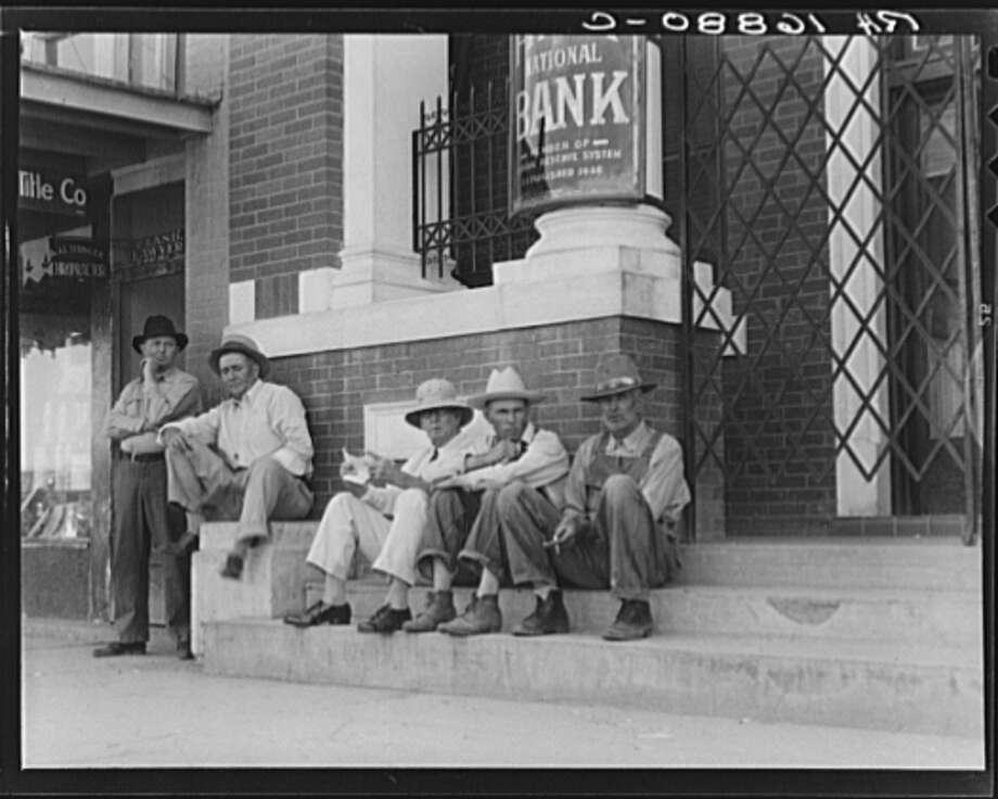the characteristics of farming during the 1930s in the united states Some young men left home by jumping on railroad cars in search of any job they  could get some wondered if the united states was heading for a revolution.