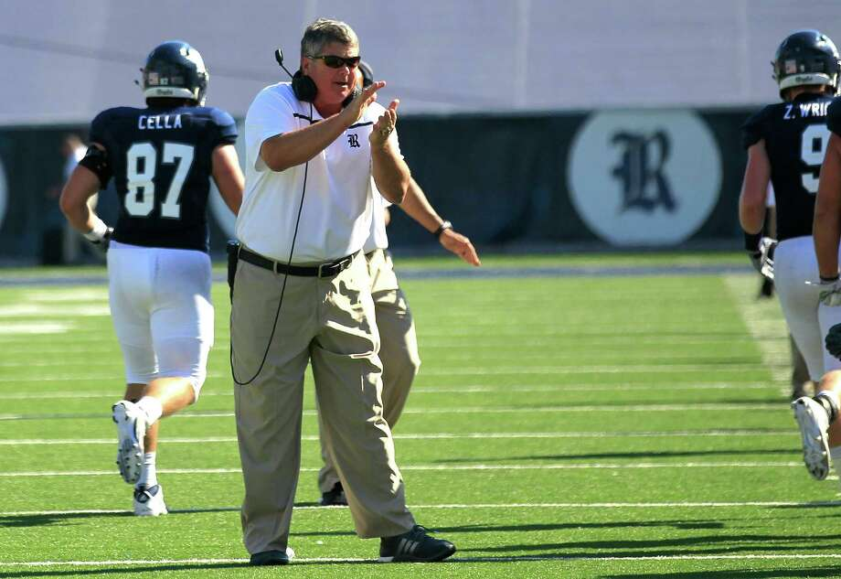 Rice University's head coach David Bailiff encourages his team in the second quarter. Photos of Rice University football game against Western Kentucky University at Rice Stadium on Saturday, Oct. 3, 2015, in Houston. ( Elizabeth Conley / Houston Chronicle ) Photo: Elizabeth Conley, Staff / © 2015 Houston Chronicle