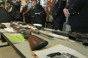 GOP candidates take aim at Chicago gun laws - Photo