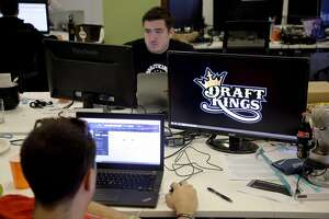 Daily fantasy sports industry falls under cloud of suspicion - Photo