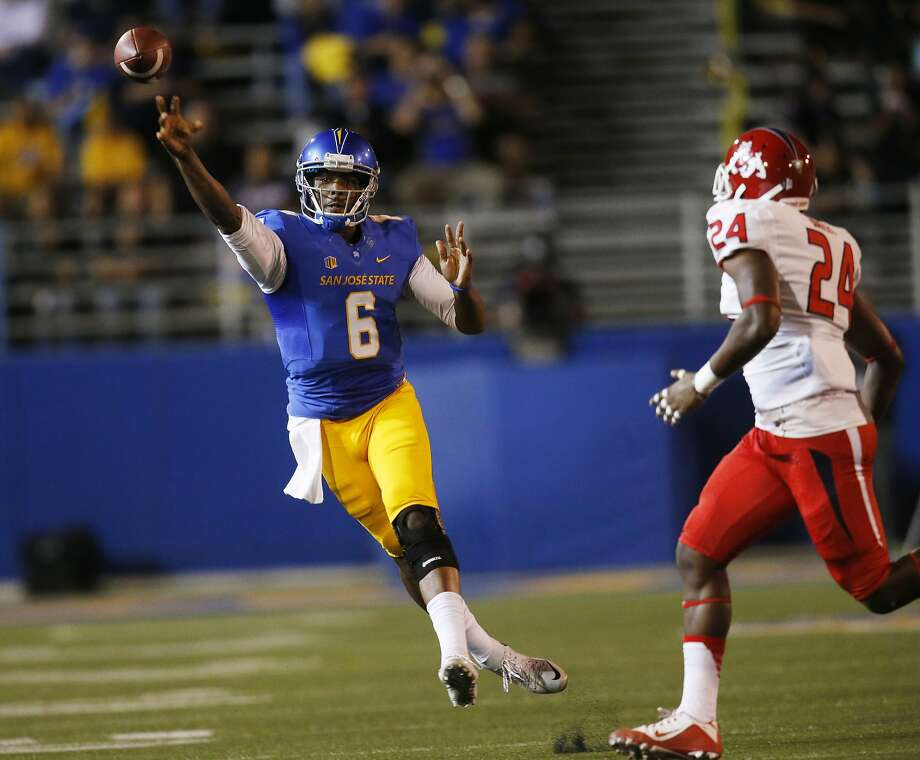 San Jose State's Joe Gray passes against Fresno State during the first quarter of an NCAA college football game in San Jose, Calif., on Saturday, Sept. 26, 2015. (Jim Gensheimer/Bay Area News Group via AP) Photo: Jim Gensheimer, Associated Press
