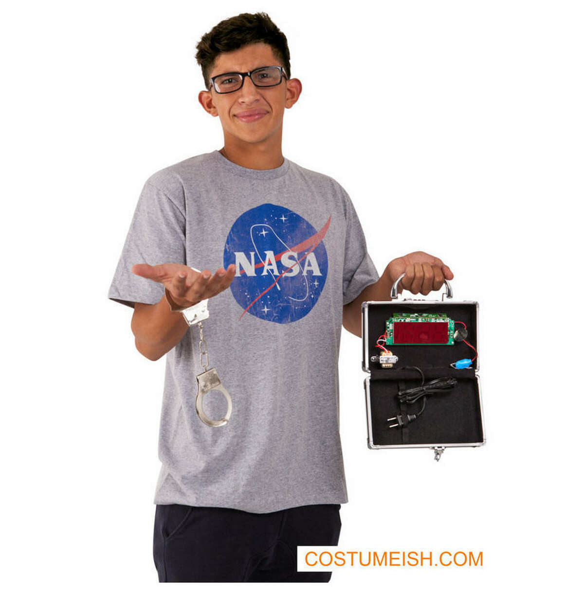 """After making national headlines for building a """"homemade clock bomb, Ahmed Mohamed is now a possible Halloweencostume."""