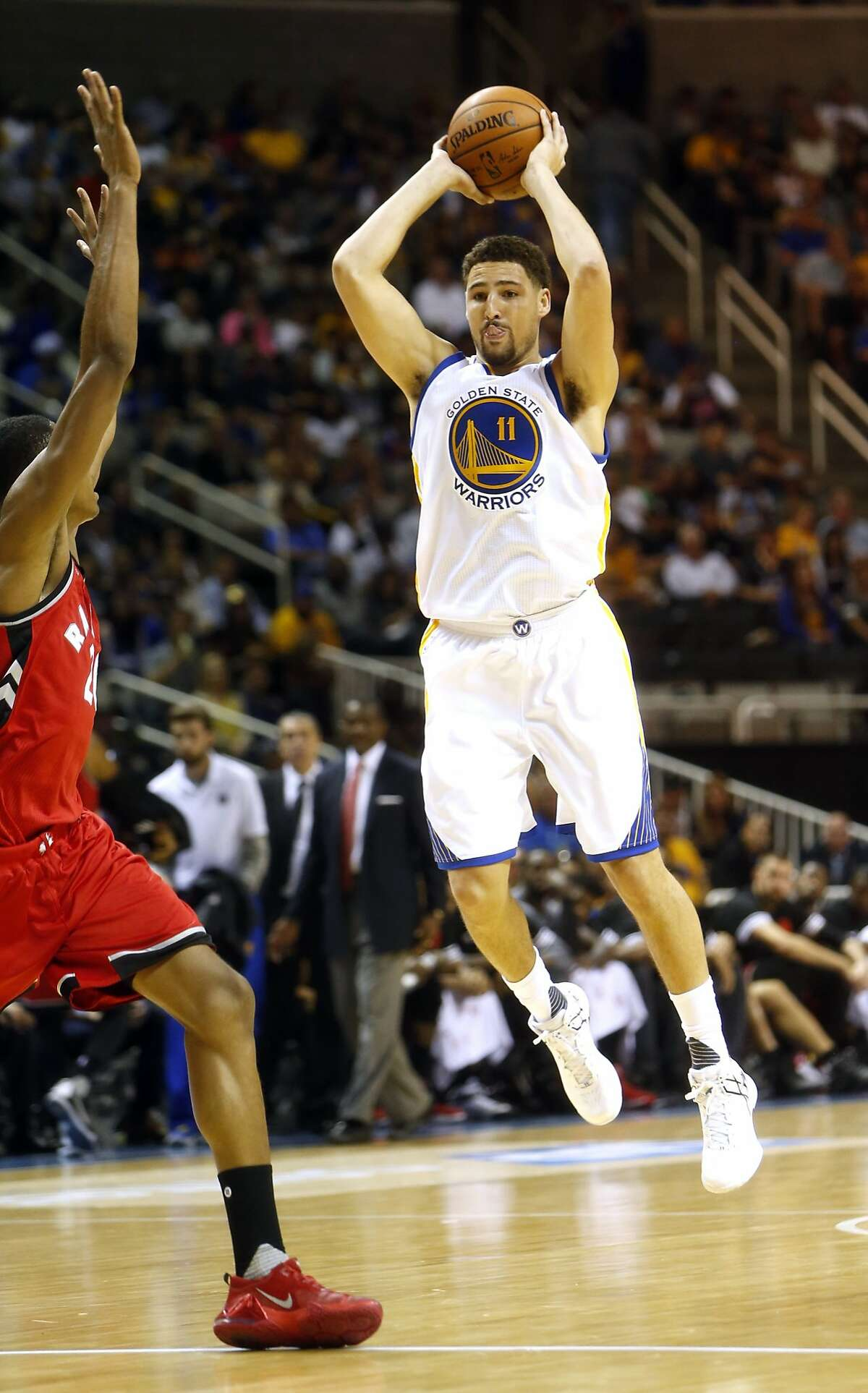 Golden State Warriors' Klay Thompson against Toronto Raptors during Warriors' 95-87 win in NBA preseason game at SAP Center in San Jose, Calif., on Monday, October 5, 2015.