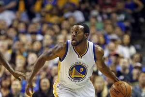 Warriors? Andre Iguodala finds 6th-man role in his comfort zone - Photo