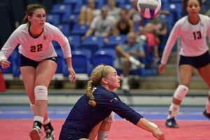 WCSU ROUNDUP: Volleyball team wins five-game thriller - Photo