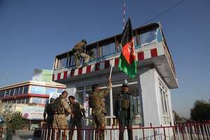 Afghanistan says troops hold Kunduz square, calm returning - Photo
