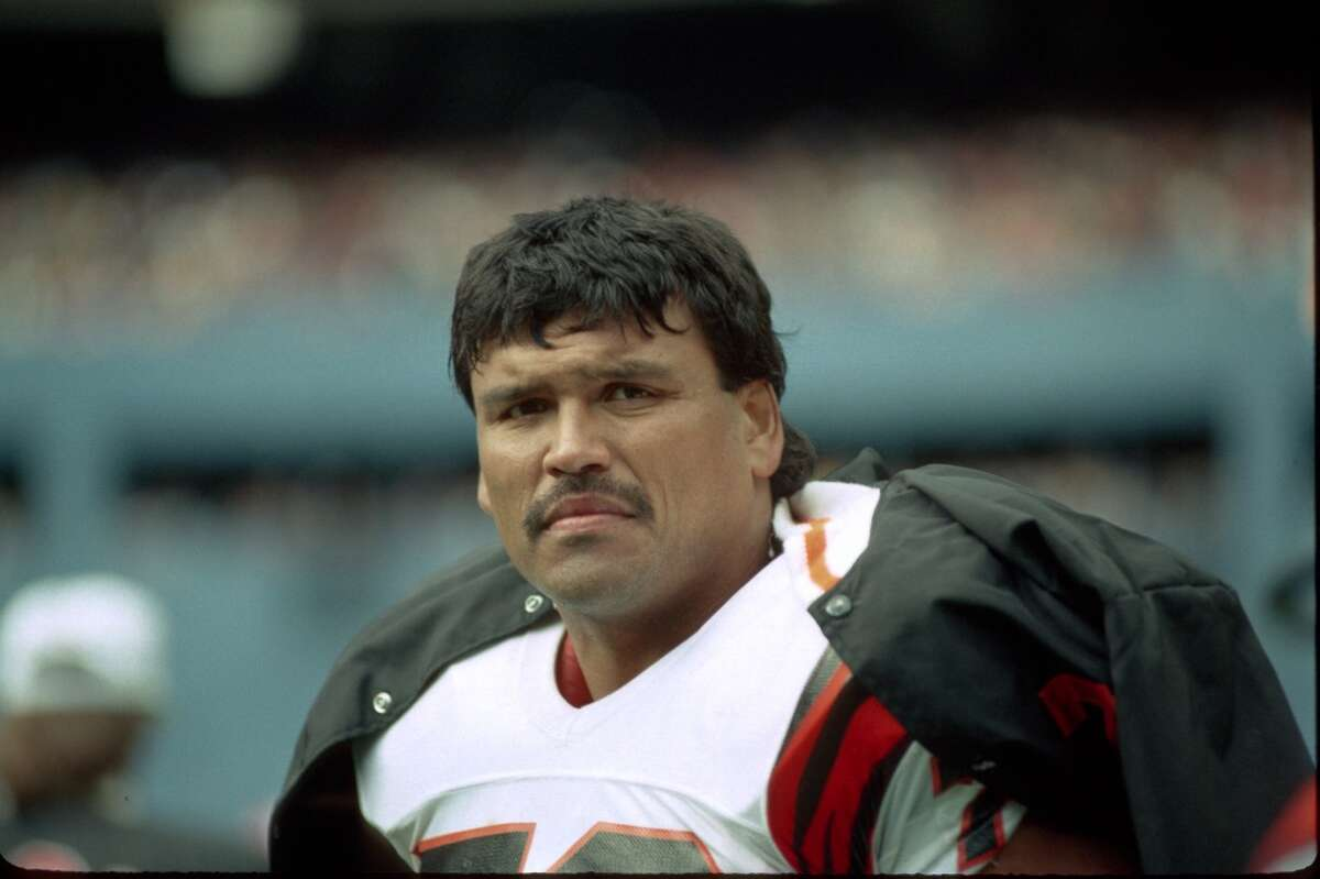 Anthony Munoz Many call the longtime Cincinnati Bengal lineman the best left tackle to ever play the game. The Hall of Famer went to 11 Pro Bowls in 13 years and was a three-time Offensive Lineman of the Year.
