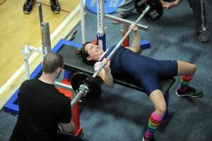 Jennifer Gish: For this team, powerlifting builds muscles, confidence - Photo