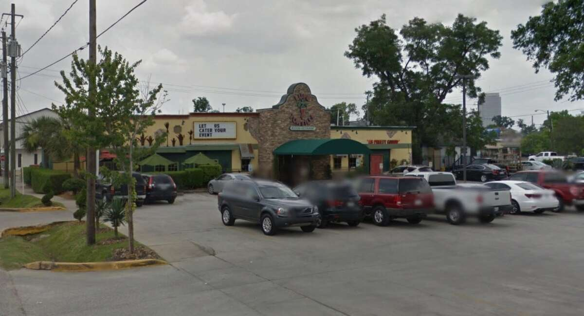 Lupe Tortillas 1511 Shepherd, Houston, Texas 77007Demerits: 20Inspection highlights: Potentially hazardous foods (shellfish) being improperly thawed in water. Observed evidence of employee drinking from an open beverage container in unapproved area.Photo by: Google Maps