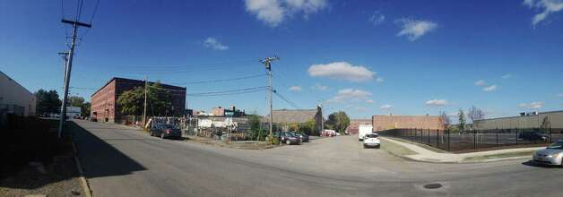 A view looking north at the intersection of N. Ferry St. and Learned St. in the warehouse district on Wednesday, Oct. 7, 2015, in Albany, N.Y.  A public market featuring stalls for individual local vendors selling fresh meat, produce, baked goods, cheese and more, as well as prepared foods, is proposed for the city's warehouse district.  (Paul Buckowski / Times Union) Photo: PAUL BUCKOWSKI / 10033677A