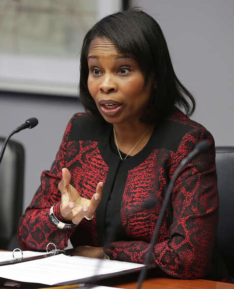 Mayor Ivy Taylor cautions members about problems in planning as the City Council gathers at the B Session Room at Municipal Plaza to discuss annexation plans on September 30, 2015. Photo: Tom Reel / San Antonio Express-News